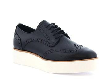svart sneaker