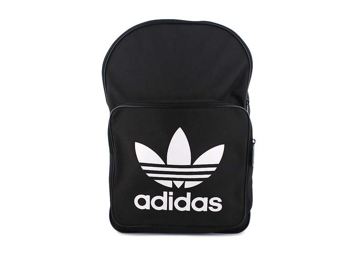svart ryggsäck