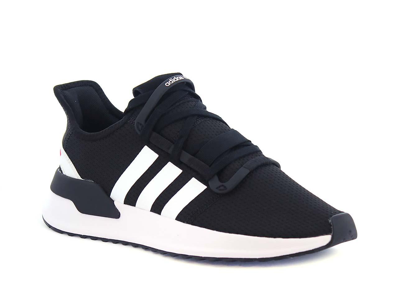 Billiga Adidas Skor Köpa Online | Hitta Närmaste Butik i Sverige